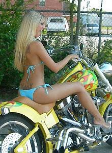 Jana Models Her New Bikini On A Bike - Picture 2