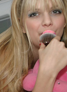 Watch As Jana Strips And Teases With Her Cupcakes - Picture 5