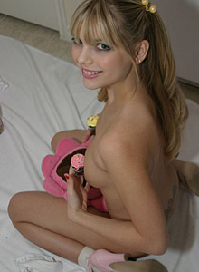 Watch As Jana Strips And Teases With Her Cupcakes - Picture 10